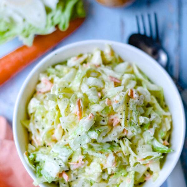 Rezept: Krautsalat mit Karotten und Schmand - schnell und einfach, leicht und lecker   Bine Güllich   waseigenes.com