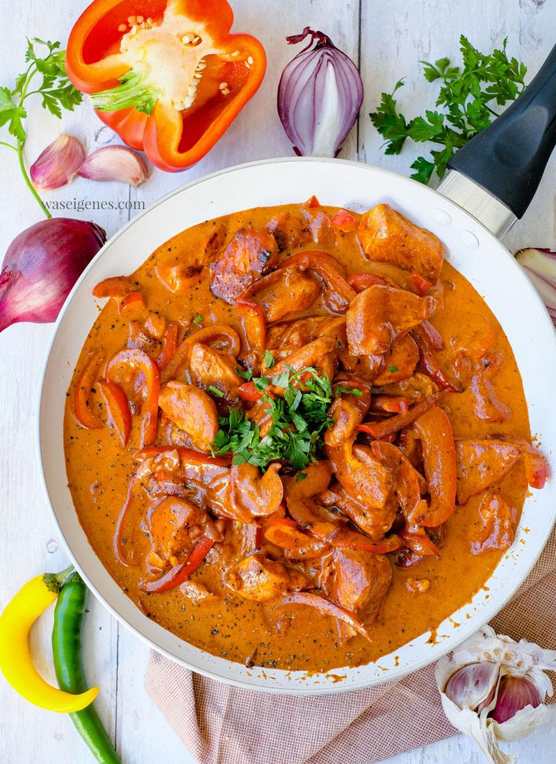 Rezept: Paprika Sahne Hähnchen mit Bandnudeln | Was koche ich heute? Schnelles und leckeres Pasta Gericht, Familienrezept, waseigenes.com